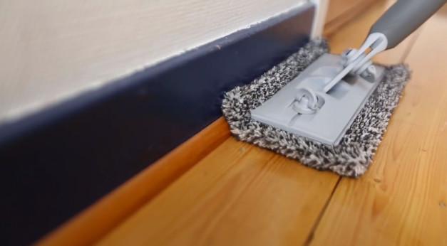 rengör golvet innan målning