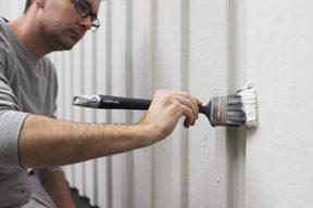 måla fasad med pensel