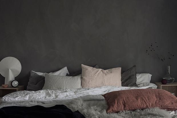 Måla kalkfärg i sovrumet