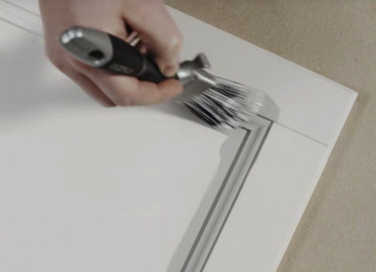 Måla köksluckor snedställd platinum pensel