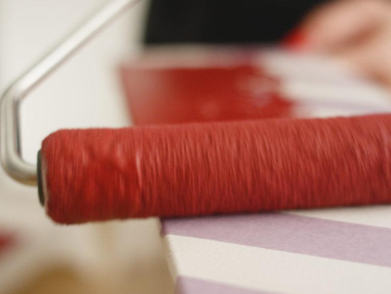 måla över tejp på kartong