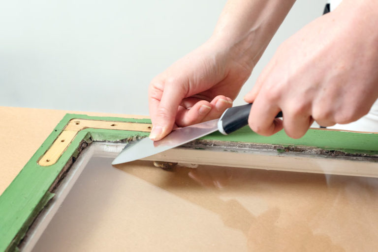 ta bort kitt innan måla fönster