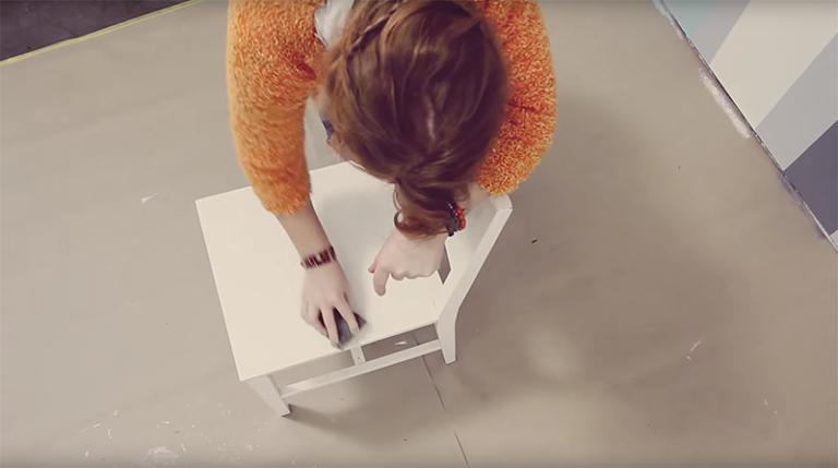 Slipa och måla stol